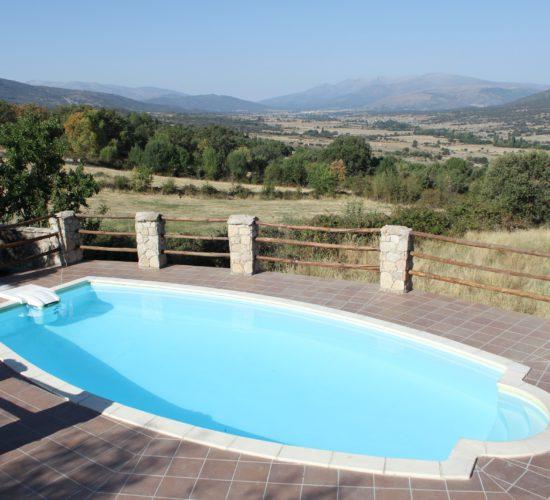 Vista Gredos piscina casa rural avila1
